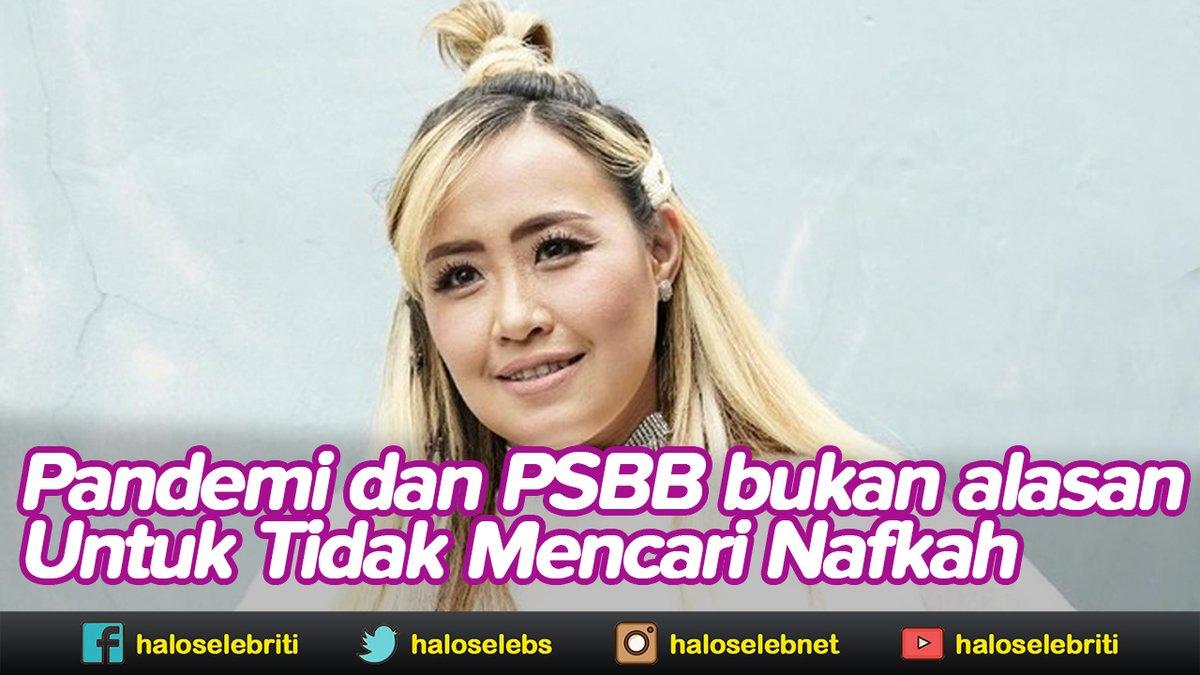 PSBB dan Masker, Pinkan Mambo Tetap Berdoa dan Berkarya | Halo Selebriti https://t.co/GM0wyB6LXh #pinkanmambo https://t.co/TnnJ4WuTd7