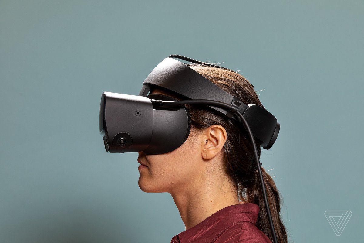 Facebook is discontinuing the Oculus Rift