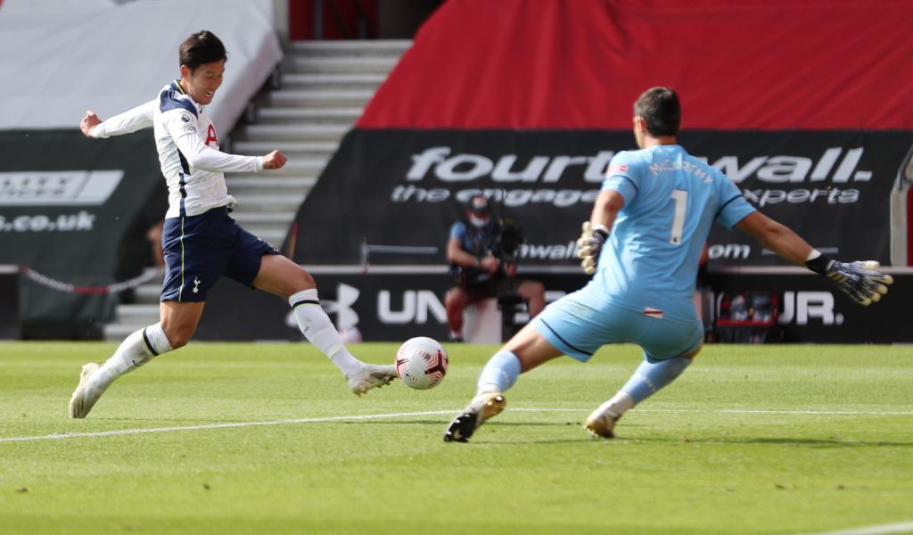 🔵⚪ @Spurs_PT começa a perder mas goleia Southampton por 5-2 🔥🔥  Heung-Min Son marca 4 golos 🤯 Harry Kane com 4 assistências e 1 golo 👌  #UEL https://t.co/WJGa7kukkZ