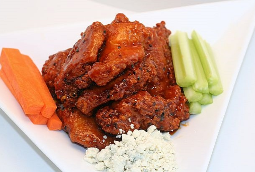 How about some wings for NFL GameDay today?  Click here for recipe - https://t.co/QjwrBpWW1u  #homegate #backyardbbq #tailgaterecipes https://t.co/9ZvliZ3AoV