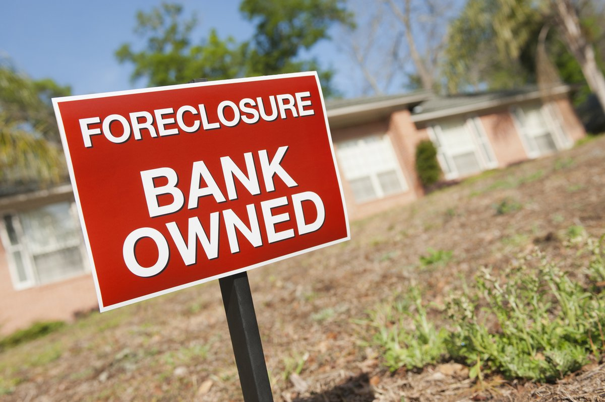 View our state-by-state foreclosure guides and understand the process where you live.  👉 https://t.co/dY2q7ServA #foreclosure #eviction https://t.co/mrrrX6asVd