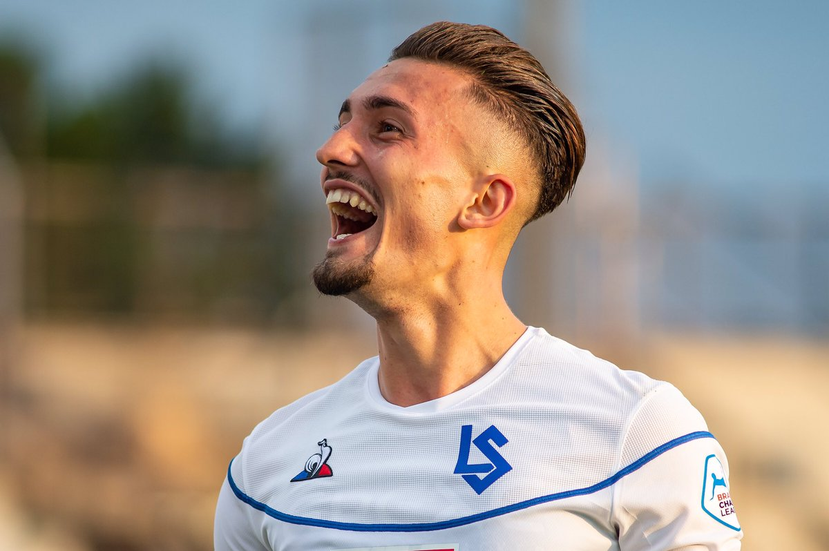 Prediction 20/21: Lausanne-Sport 🔵⚪️  🎖Best Player: Andi Zeqiri  💥Durchbruch: Isaac Schmidt  👎Enttäuschung: Simone Rapp  👀X-Faktor: Stjepan Kukuruzovic  #LS #Lausanne #Vaud #Schweiz #Fussball #RSL https://t.co/zOKCuXtcNm