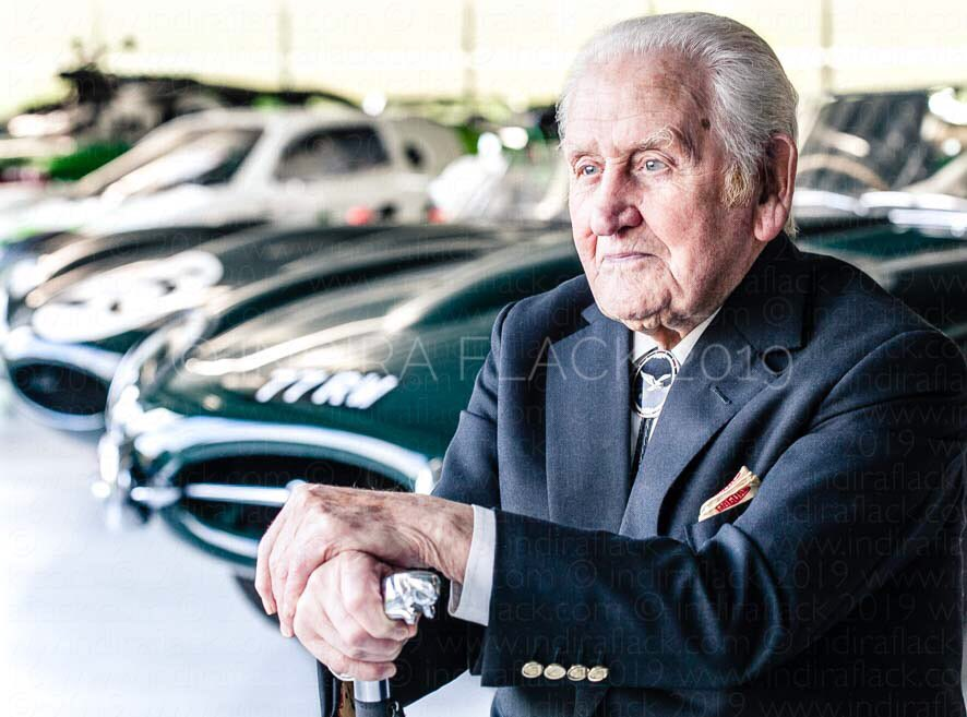 Le Mans weekend - Norman Dewis Jaguar's chief test driver, played a major role behind the scenes in perfecting the great British marque's 5x Le Mans winning C-Type & D-Type cars, not to mention their wonderful successor, the E-Type #gbracingdrivers #portraitphotography #LeMans24 https://t.co/7cotRC4X7F