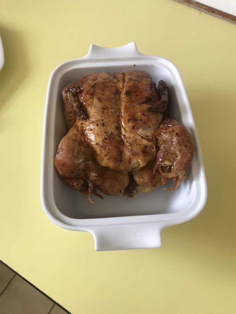 Paid R80 for a chicken with no drumsticks. I'm sick https://t.co/mbFBhLCD5X
