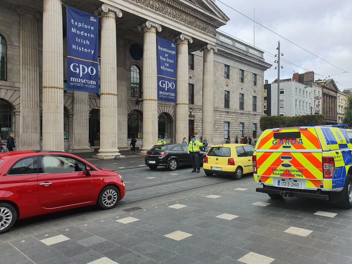 Dublin Metropolitan Region Roads Policing Unit engaging with motorists in Dublin city centre this morning as part of Operation Fanacht. #HeretoHelp #HoldFirm https://t.co/10746kFhBn