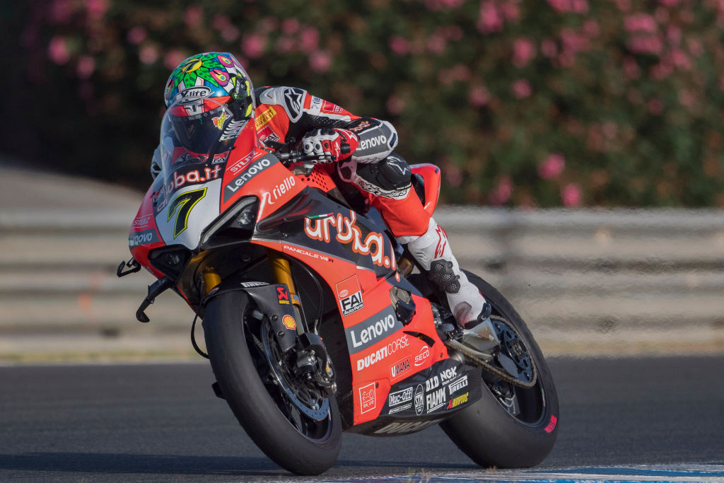 Wales' Chaz Davies secured a first win in over a year as he won race two at the event in Barcelona and remained third in the World Superbike Championship standings  👉 https://t.co/0wvVGTxI7V https://t.co/3JCoOKrTZV