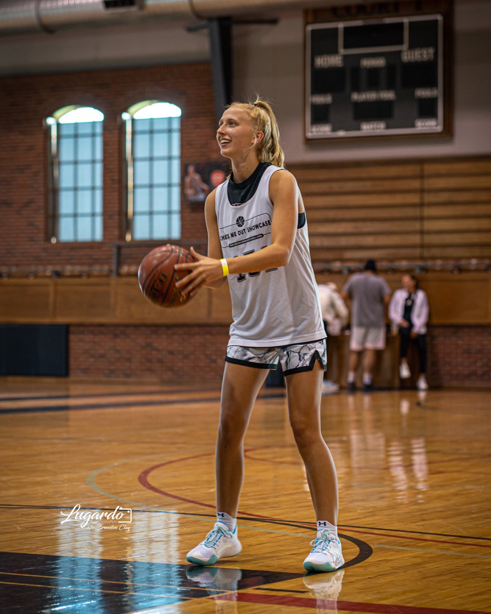 Brandon Clay College Recruiting Profile: #BClayRecruiting x @bclayrecruiting  '22 G Jordan Meulemans (WI) was all smiles yesterday as shot after shot dropped.  She's an elite level shot maker.  Iona has offered.  GET YOUR OWN RECRUITING PROFILE: https://t.co/tYNfZLbdO2 @AK_Coach https://t.co/5ACpcBkJze