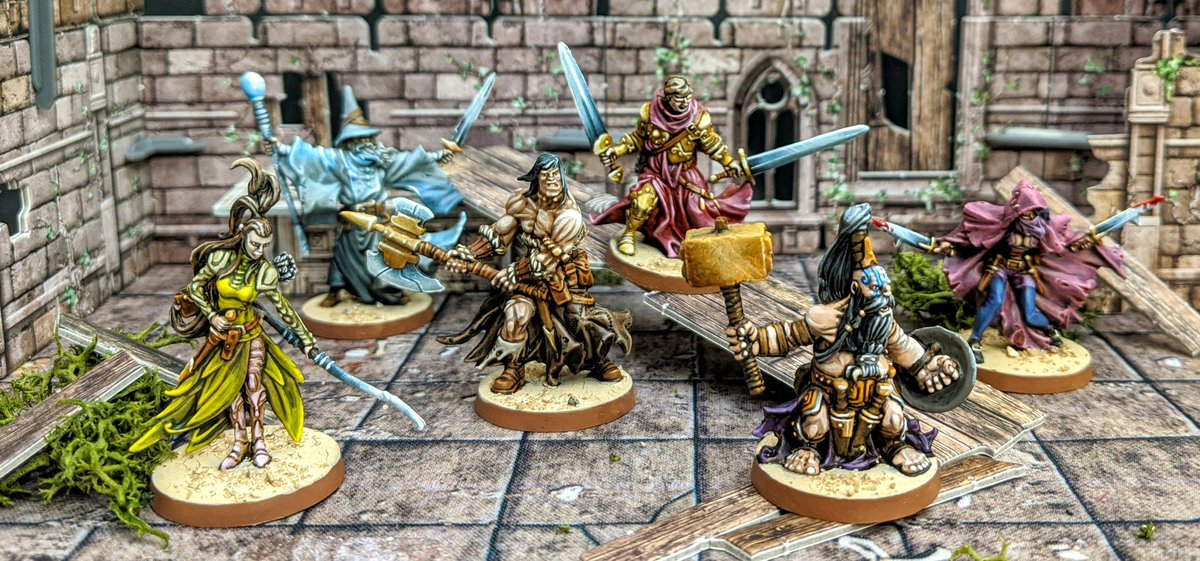 All week I've been plugging away at the Heroes from Massive Darkness and I've had a blast. I'm so happy with how they all turned out, all very different in their own ways but gorgeous to behold as a group too!   #MassiveDarkness #coolminiornot #Cmongames #Boardgames https://t.co/KJi6qpEO0Z