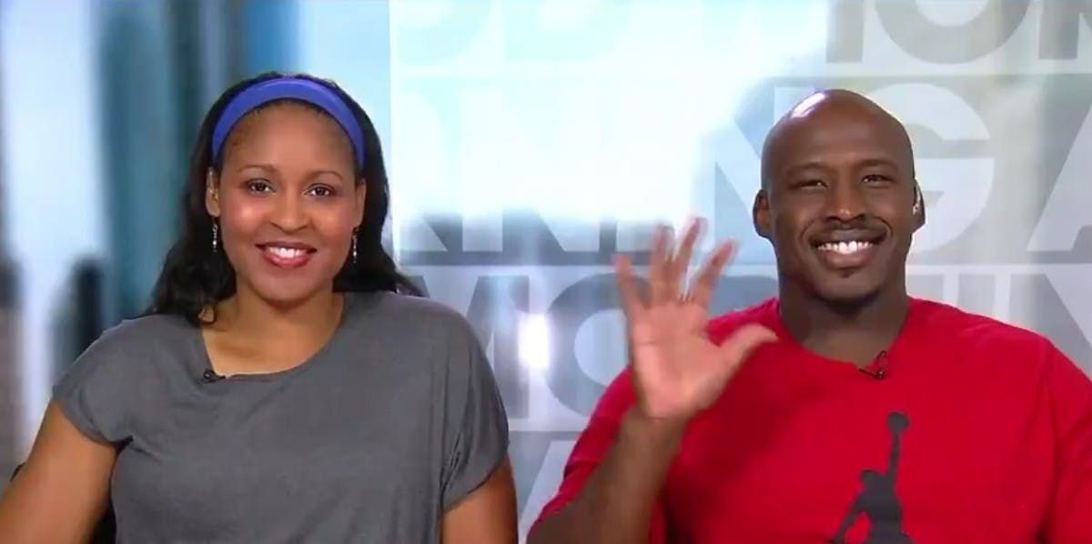 That guy @MooreMaya helped get out of prison? She married him! https://t.co/g5jrKp1gQB https://t.co/GXEczyruF4
