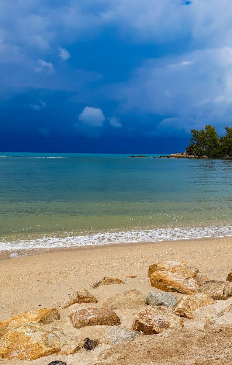 Океану вам у стрічки 🙏🧡  #sky #skylovers #skylover #ocean #sea #cloudlover #clouds #cloudysky #cloudscape #thunderstorm #mobilephotography #Thailand #kohphangan #Phangan #nature #naturelover  https://t.co/ZVzTM3PWce https://t.co/znzGzLEVDM