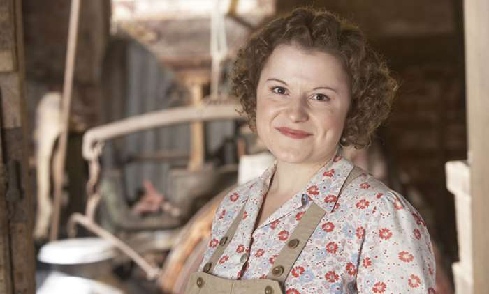 Yes, we're missing #Doctors but it'll be back soon. And in its place is another great @BBCBhamPR drama made in Warwickshire. It's a repeat of the excellent #LandGirls, with @markbenton100 and @sophieannaward. On BBC1 in 10 minutes. https://t.co/sgY24xOSb3