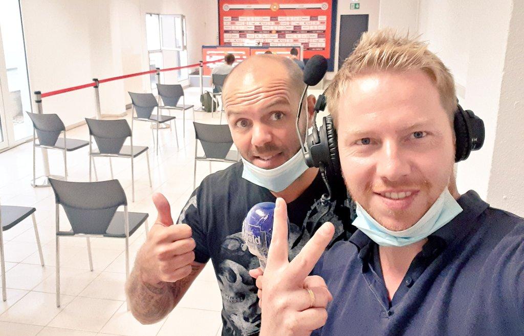 Et maintenant... la conf en direct sur @bleuherault avec @AndyDelort9 pour commencer #TeamMHSC @bleuherault https://t.co/t10jjXll8X