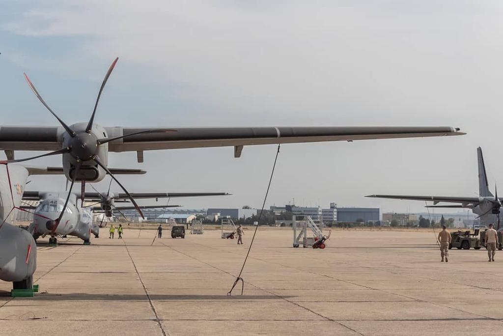 Éste año tocará quedarse con las ganas de ver a los pájaros en LEGT, LECU y LETO.  #casa #c295 #baseaereagetafe #LEGT #aire #DFN2019 #military #aviation #spotter #canonespaña #ala35 #militar #madrid #aviationlover #picoftheday #spotterlife #aerotrastorna… https://t.co/jsPbBz88Qz https://t.co/mrah6sih7g