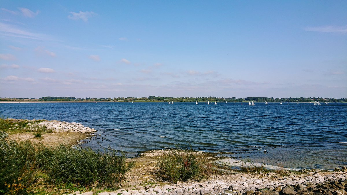 Great to get back into @WeBS_UK. My new patch is @STWDraycote. Spots inc. Great White Egret (1), Little Egret (18), Common Sandpiper (2) , Great Crested Grebe (42) and lost count of the amount of Coot! @Draycotebirding @_BTO https://t.co/skmdBFah6i