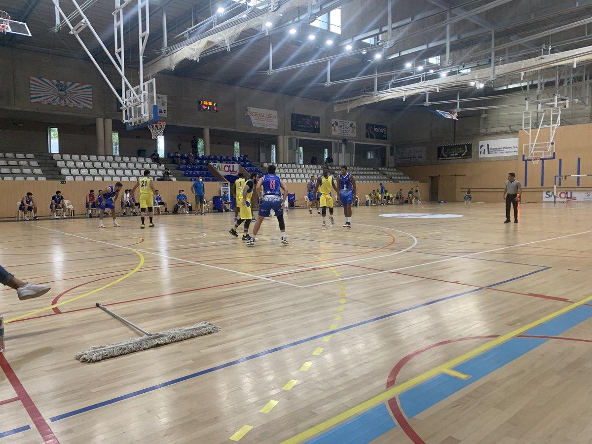 Primers 4 minuts de joc. @CbSalou 4. @CBT_Tarragona 4 informa @tarragonaradio https://t.co/rQjfe6CsE4