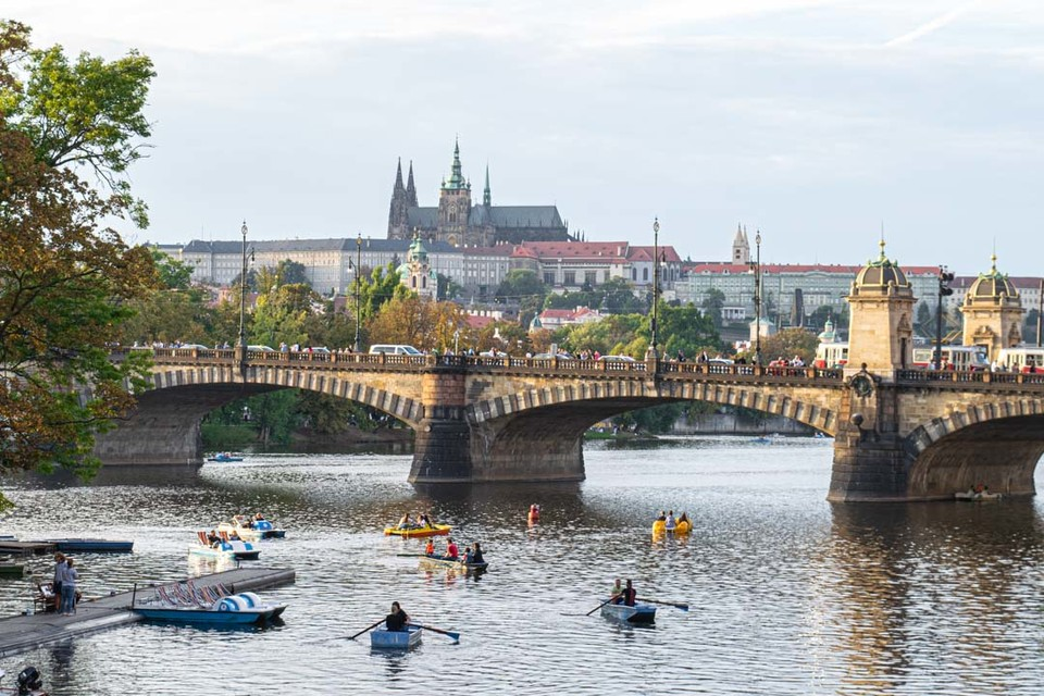 9 Things to Know Before Visiting the Czech Republic https://t.co/7ZR5We6wU1 #travel #travelsomeday #armchairtravel https://t.co/jNDIlSwY8l