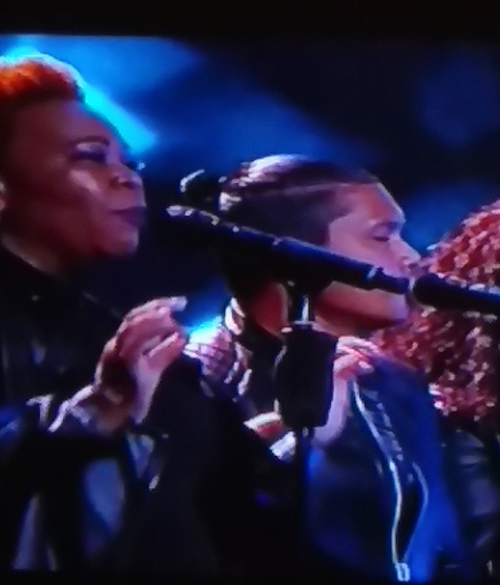 Thanx the backing vocalist there are amazing #IdolsSA #succeedo not bad https://t.co/bfToCUQciZ