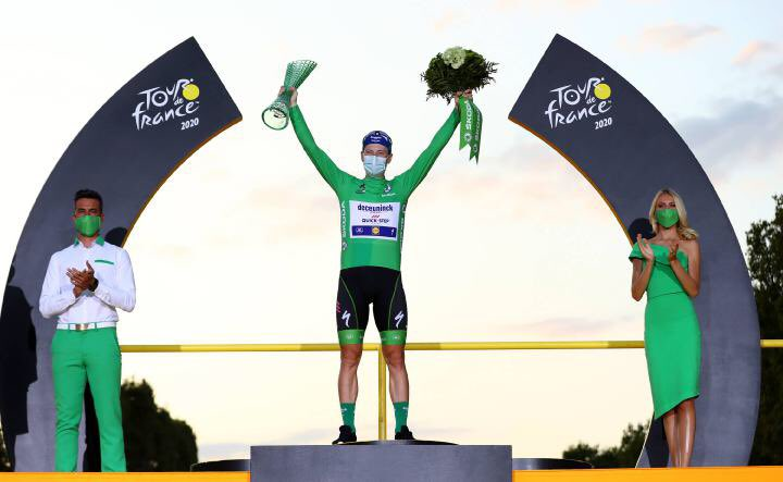 What a finish! Congratulations to @Sammmy_Be on a fantastic #TourDF2020 and being the first Irishman to win on the Champs-Élysées to bring the Green Jersey home to Tipp. https://t.co/Yb6sBqd92E