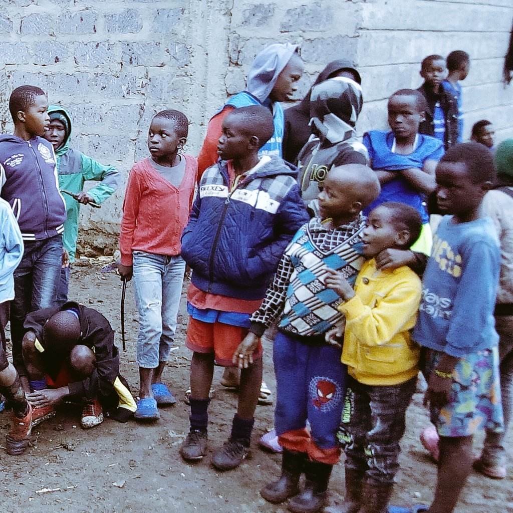 I have a talent. I want to play #Volleyball.  I needed 5 balls. I also want to empower these kids and make them APPRECIATE the power of Sports. @MillicentOmanga @KiarieJohn @BettyMKyallo @WilliamsRuto @silasjakakimba   MPesa No. +254707602042 if you are willing to SUPPORT kindly. https://t.co/3Ou4MMSjiz