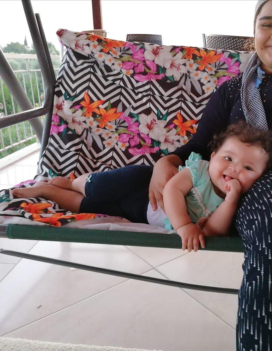 Şuraya birazcık masumiyet bırakıyorum.. #kids #babygirl #halam