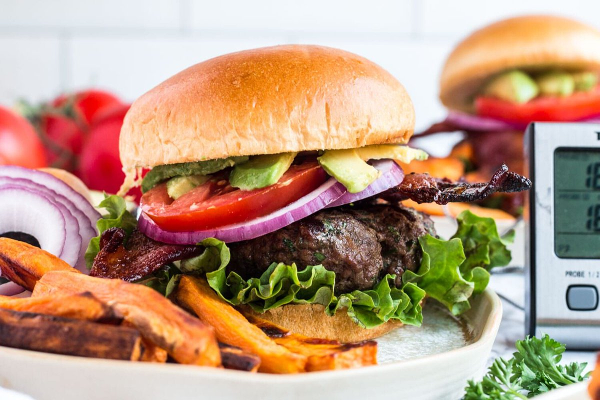 This classic #grilled bacon# burger can be the star of your summer grill #party. Get ready to fire up your grill and delight your guests with some #yummy burgers on the menu. https://t.co/p80k6NCWa1 https://t.co/m7gXSyYRLZ