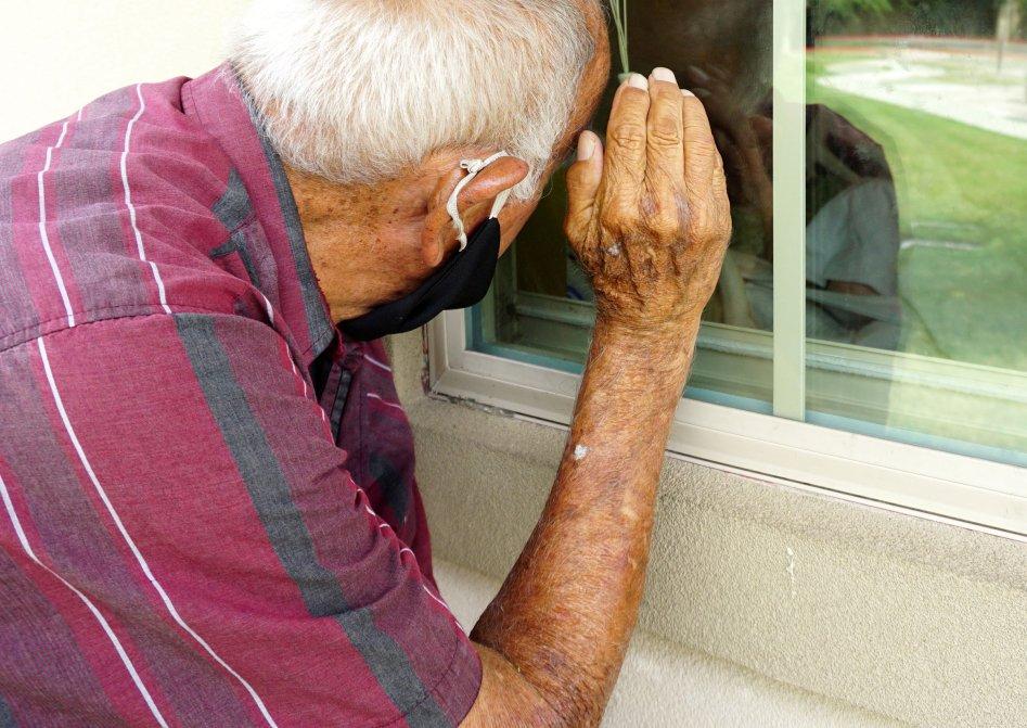 #COVID19 Still Is Devastating Nursing Homes. The Trump Administration Isn't Doing Much to Stop It https://t.co/GDdofkh3Oe by @abbyabrams via @LOYALFAN1  #coronavirus #Alzheimers #dementia @PetraMcCarron2 @AriaaJaeger  @texaswinehouse @vegix @NaphiSoc @lfkraus @ArtistsPo @Arriadna https://t.co/Bs9eOcfx3f