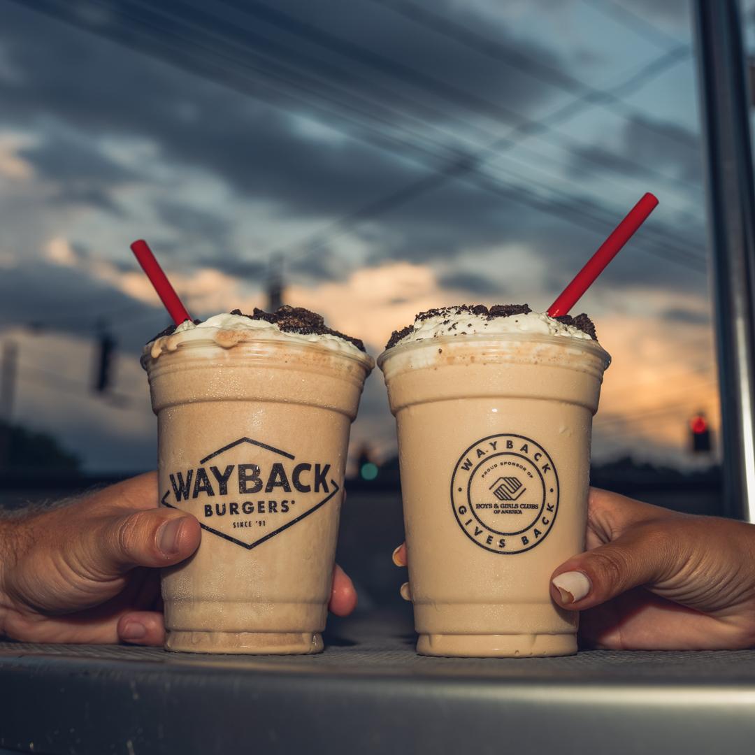 Shake away the Sunday scaries.   📷: Hand-dipped Milkshakes https://t.co/areuqPWbsL