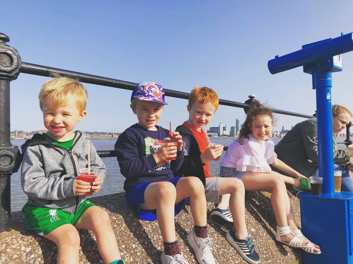 A really enjoyable day walking in New Brighton. Kids have worn themselves out but have gone to bed with sand on their feet, food in their bellies and lots of lovely memories in their hearts. ❤️❤️ https://t.co/YVb9fCxfyd