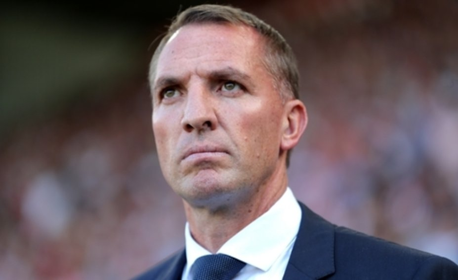 ⚽ G-O-A-L  Leicester restore their 2-goal cushion with a peach of a shot from Dennis Praet.   4-2  #LEIBUR https://t.co/tOFxoKzZlK