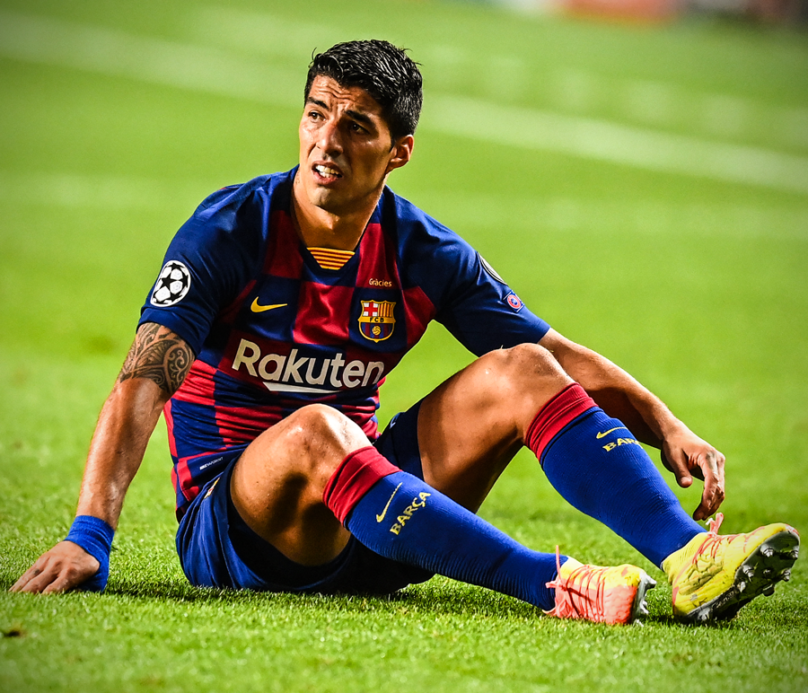 Juventus director of football Fabio Paratici officially rules out signing Luis Suarez from Barcelona due to Italian passport issues https://t.co/vAU2VegMUy