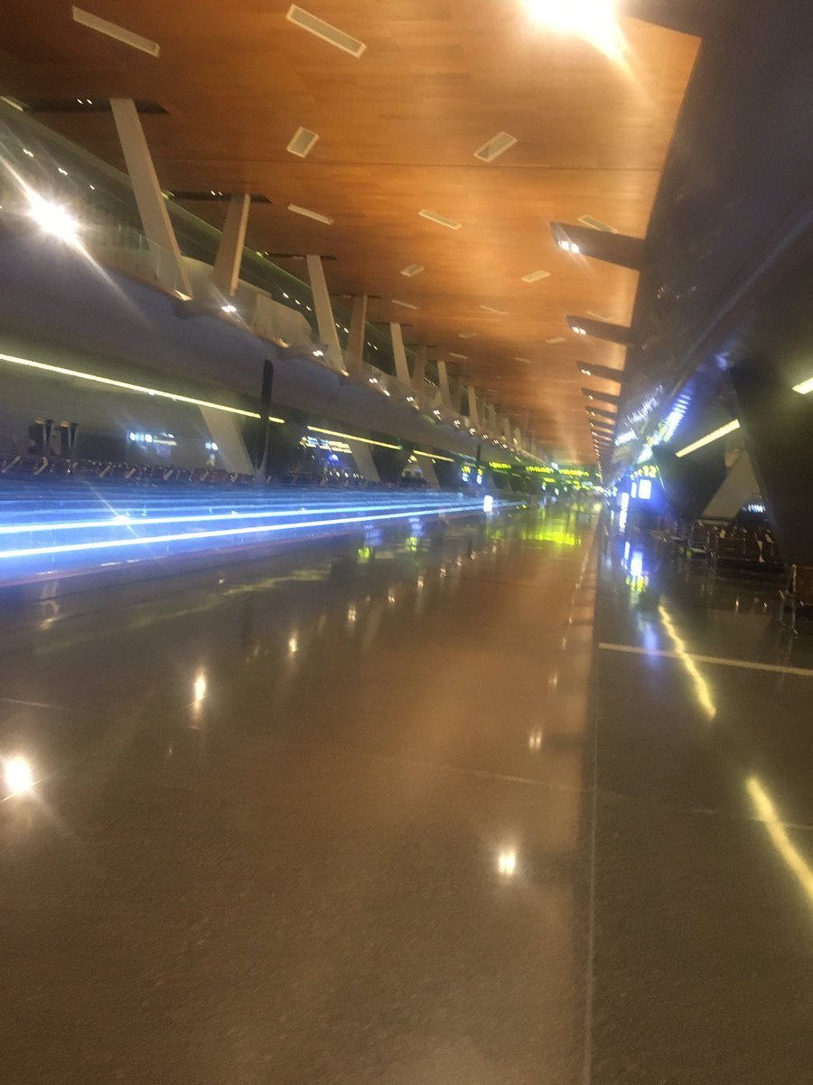 Les aéroports sont vides. #BANGKOK et #Doha https://t.co/dzS88AJJk9