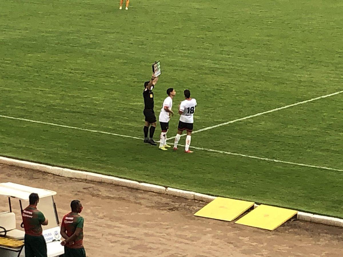 Entraram Luiz Paulo e Eduardo Lopes. Saíram Bruno Mota e Paulinho Dias 16 do 2o https://t.co/r3DpFhpVbz