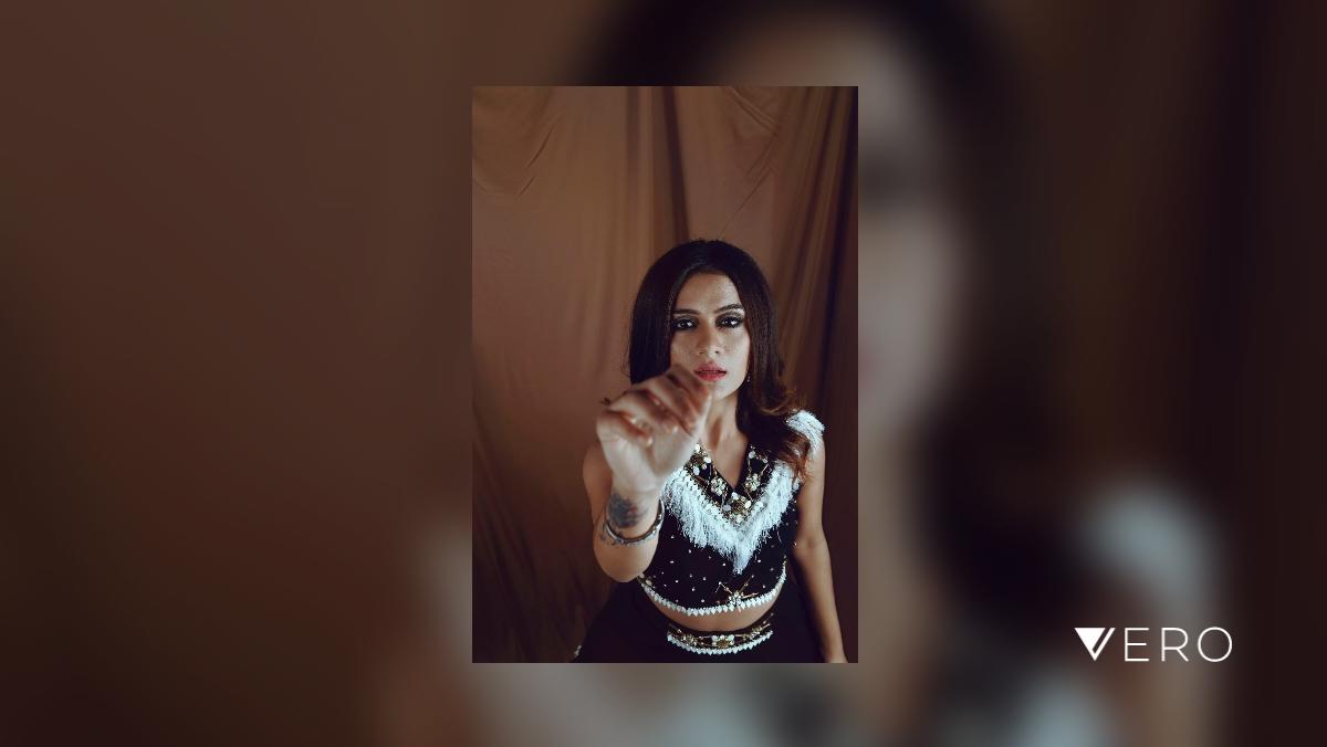 #fashion  #female #model #magazine #photoshop #follow #connect #nikon #love #bnw #blackandwhite #brand #shraddhabagrodiaphotography #fashionphotoghraphy #designer #mua #actress #actor https://t.co/29biEZcSTO https://t.co/XY2y9xqfqT