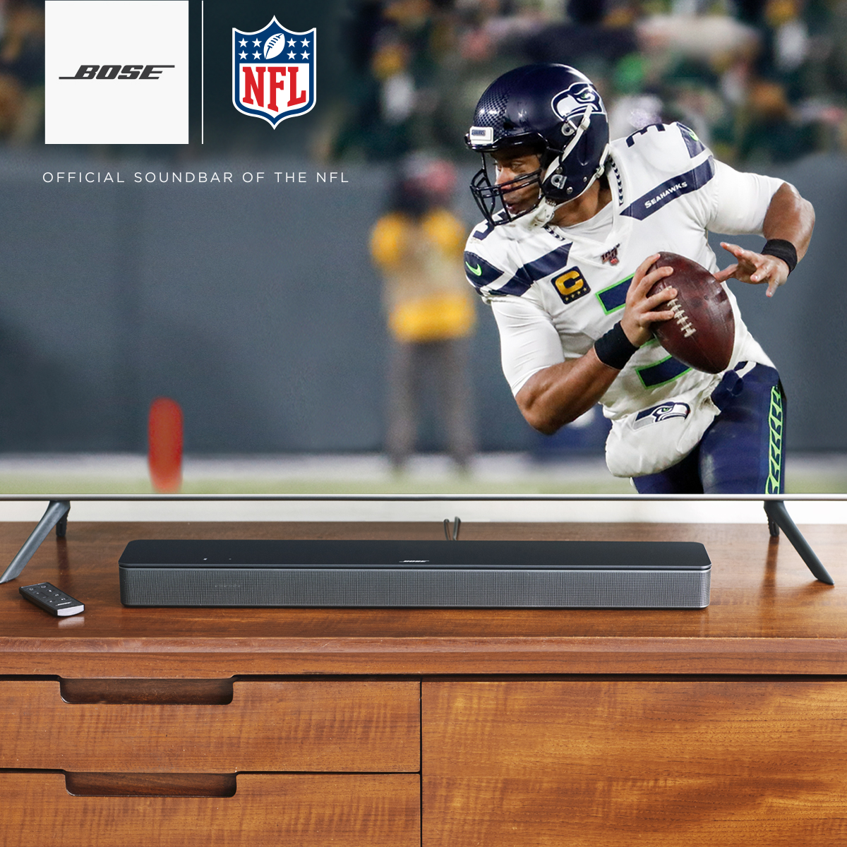 No stadium? No problem. Tuning into the @Patriots vs. @Seahawks game with the new Bose Smart Soundbar 300 makes you feel like you're really there — from the comfort of your couch. https://t.co/EzZJAUTo7M #BoseSpeakers #NEvsSEA #SNF https://t.co/lcgFBLc1Mt