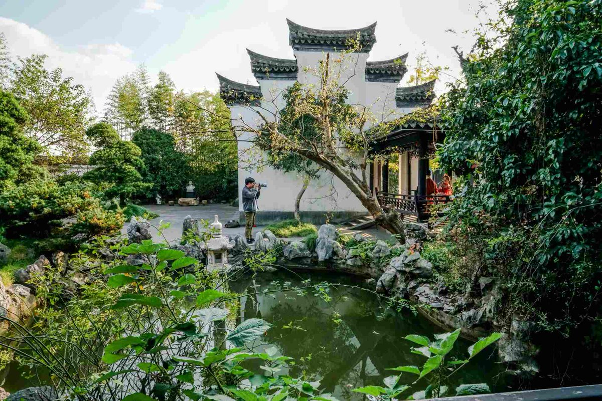 Liangzhu Culture Park is such a beautiful, authentic, and romantic environment that it attracts couples from all over to have their photos taken, just as a flower attracts the butterflies. #travel #traveling #romantic #butterflylovers #ningbo #photoshoot https://t.co/vsPnLf8zme
