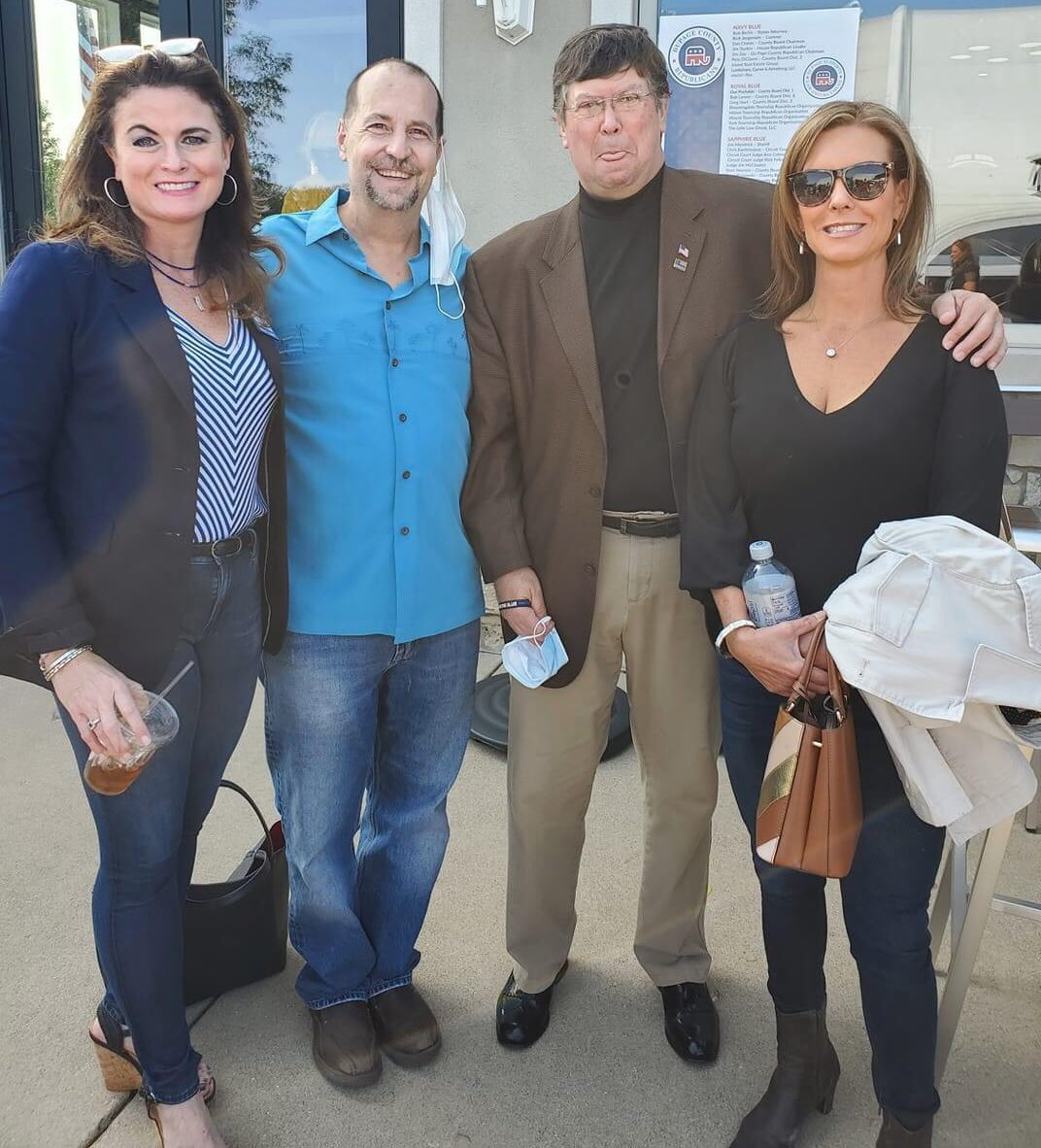 Great to see Laura Curtis, @DuKaneABATE Legislative Coordinator @RameyforIL, and @JudgeACWalsh out at the @DuPageCountyGOP #LawEnforcement Support Rally today. Only wish I could've joined them! Laura is endorsed by A.B.A.T.E. of Illinois. #twill #Illinois #ABATEofIllinois 🇺🇸 https://t.co/Ca9SRjb2KP