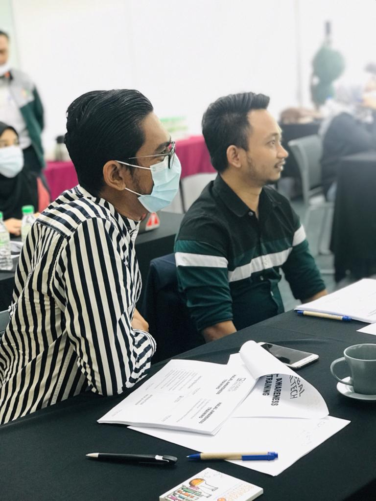 The #Halal Awareness Training under the #HalalBoostProgramme is currently in session at #BioeconomyCorporation with @GlobalHaltech. https://t.co/tiJjFeCgfU