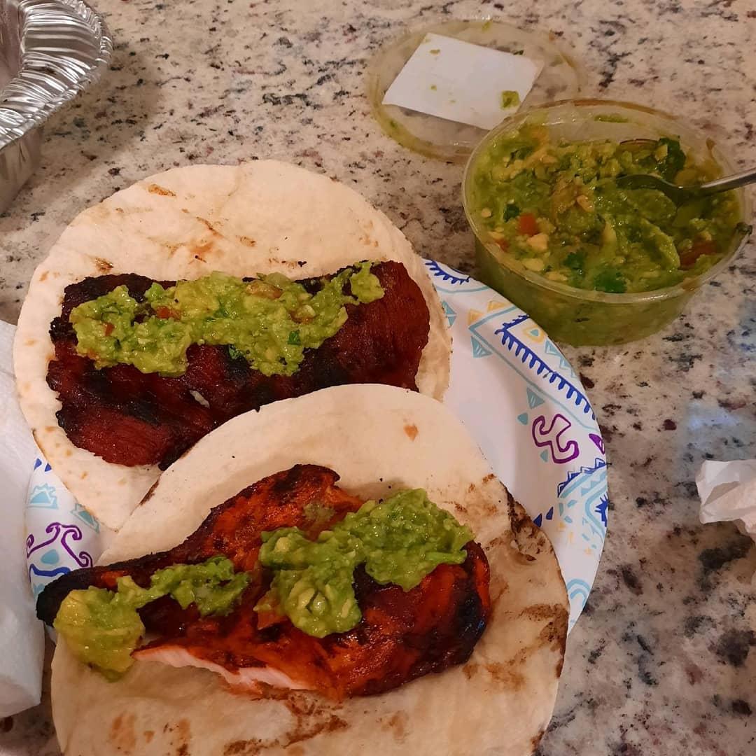 #fajitas #lunch #mexicanfood #guacamole #tortillas yesterday's lunch https://t.co/vZNx4fSmgM