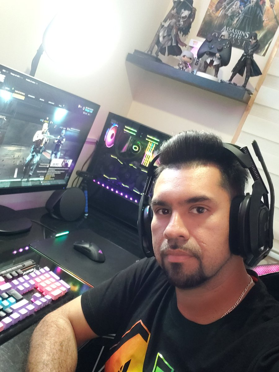 Estoy en vivo en Twitch, ¡Ven a pasar el rato! #twitch #twitchstreamer #youtube #streamer #pc #gaming #stream #gamers #ps4 #twitchtv #instagram #contentcreator #rgb #pcgamer #pcgaming #console #steam #pcmasterrace #videogames https://t.co/TiZWoYnpkM https://t.co/46uNHkgOkI