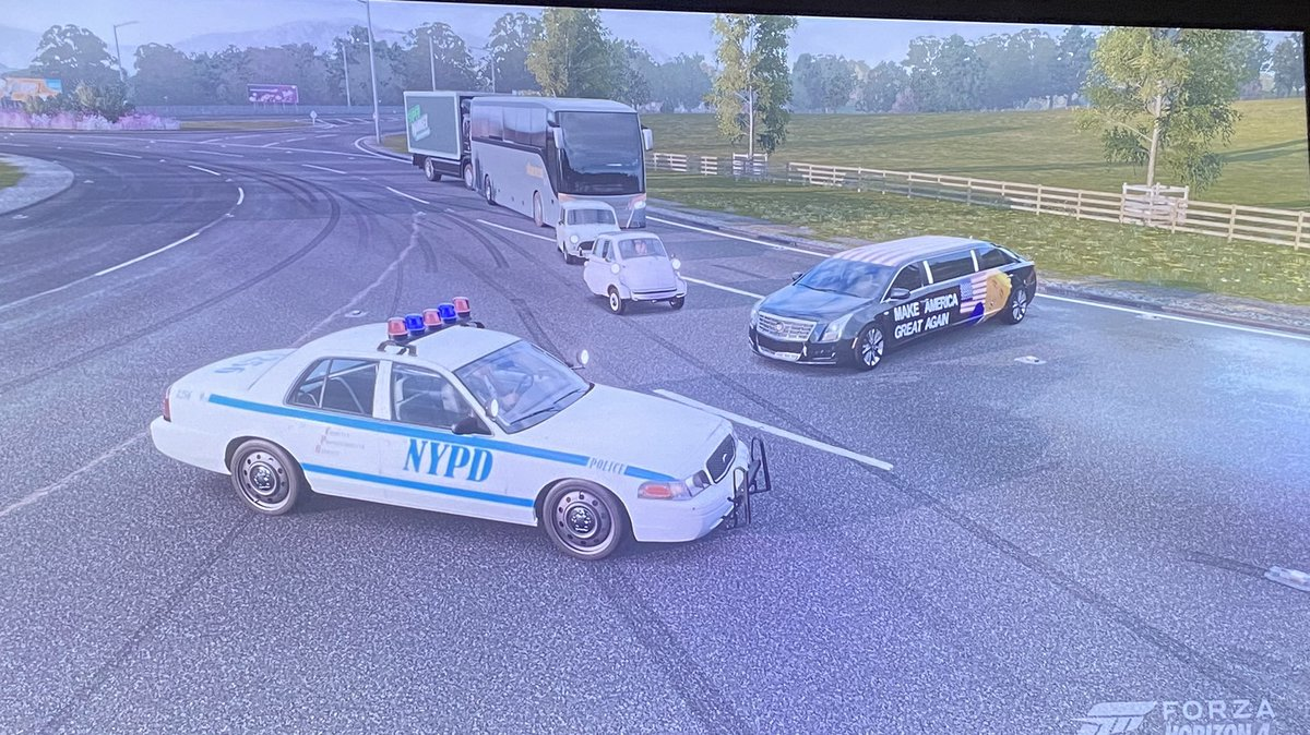 Saw this Trump limo playin Forza Horizon 4 tonight, thought I'd have a little fun. Take this how you will. (Yes my car is the NYPD cruiser I made in game). https://t.co/UrYQy0dqHv