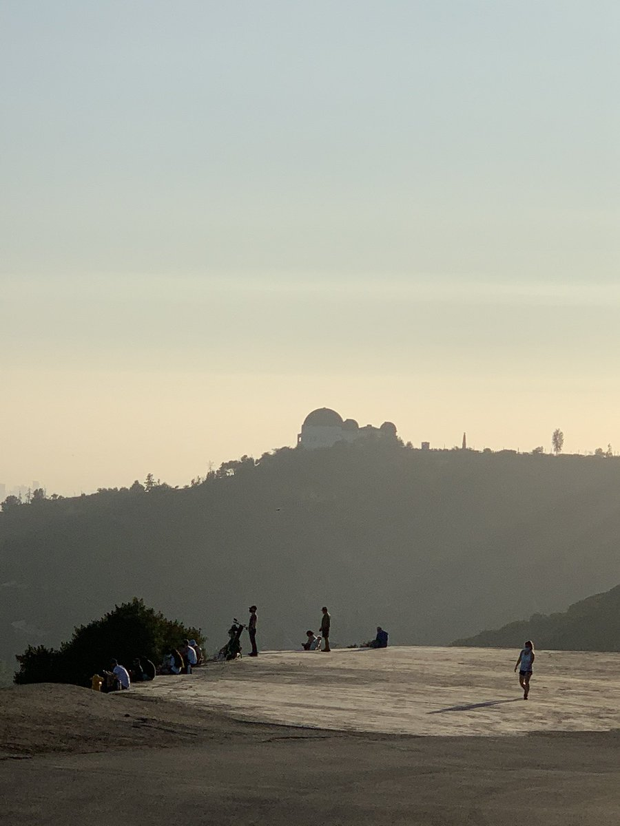Evening hike was lovely. #griffithpark #LAhiking #healthyliving https://t.co/XgBcgePa4w