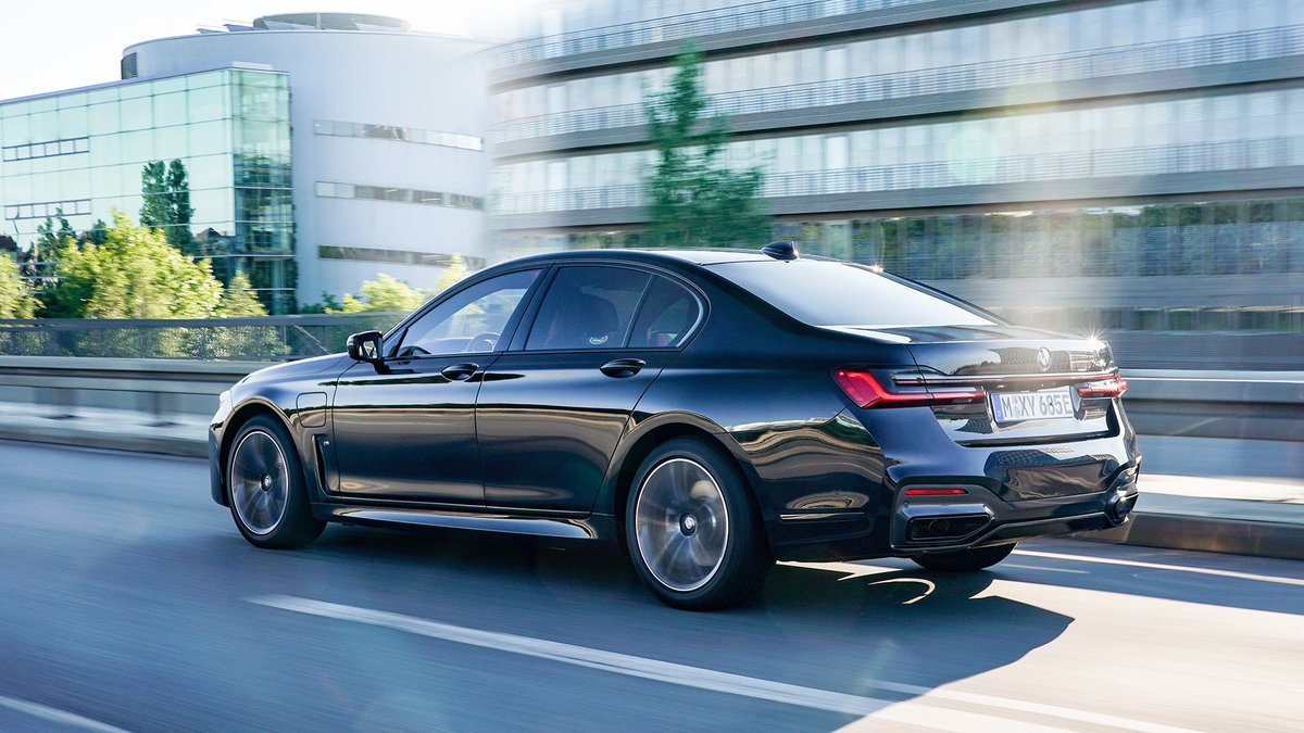 Heading towards new opportunities. #THE7  The #BMW 745e Sedan. Energy & Fuel consumption (combined): 15.5–15.1 kWh/100 km, 2.2–2.1 l/100 km. CO₂ emissions (combined): 51–48 g/km. https://t.co/twXzMrWMl3 https://t.co/OT6oDclOcg