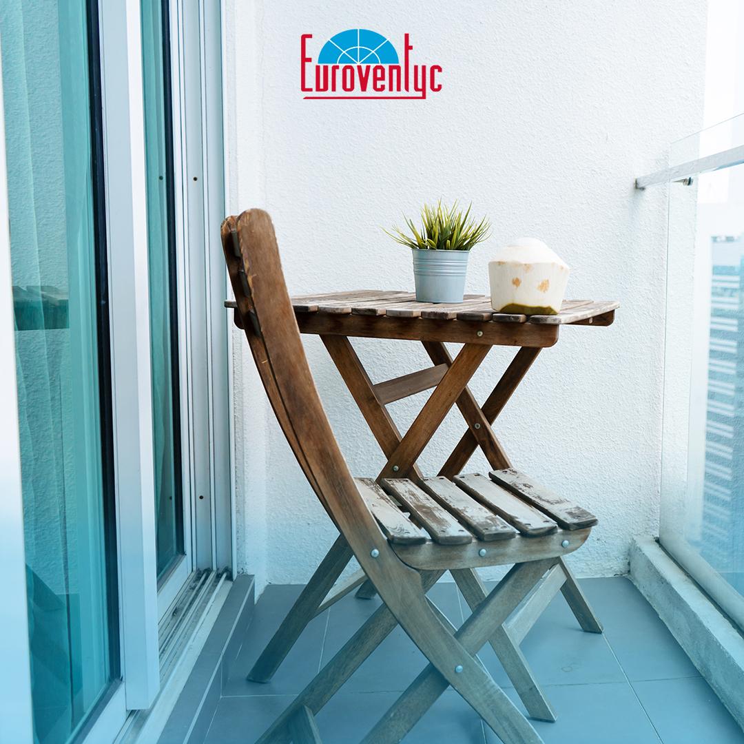 ¿Ventanas de PVC plegables? Ideales para terrazas, patios y balcones. Espacios con especial necesidad de aislamiento térmico y acústico. . #Euroventyc #VentanasPVC #PuertasPVC #PVC https://t.co/rq1Vawv9qf
