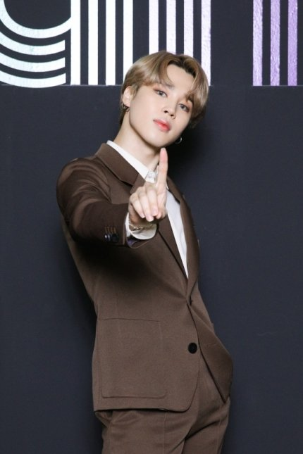 """Kmedia wrote a new article about BTS Jimin topping brand reputation for boygroup members in September 2020  Jimin played a leading role as the """"K-pop Frontman"""" and extended his #1 streak on the chart for its 21st consecutive time   📌https://t.co/Ey8cWNfzUn https://t.co/TrdTxddoMX"""