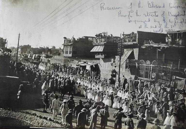 5 of 29Rev. Leighton is also notable for having organized the first public Procession of the Blessed Sacrament through the streets of  #Baghdad in June 1919, in the hope of heralding a new era in Christo-Islamic relations.