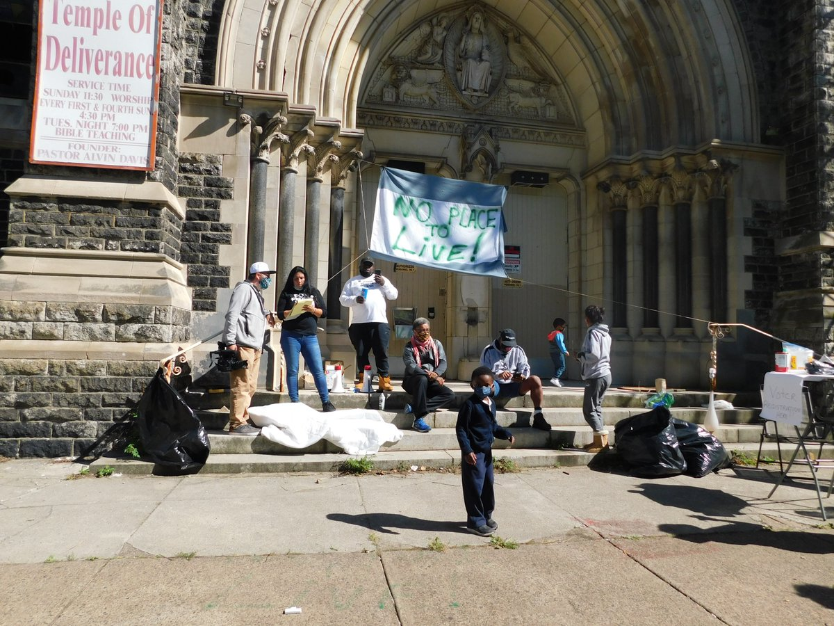 Great day today with #Poorpeoplesarmy taking over St. Edward's Church, demanding #affordablehousing and #LIVESOVERLUXURY in #Philly, and celebrating the 25th anniversary of the original St. Edward's takeover! #PPEHRC #KWRU https://t.co/1WXru9ihbC