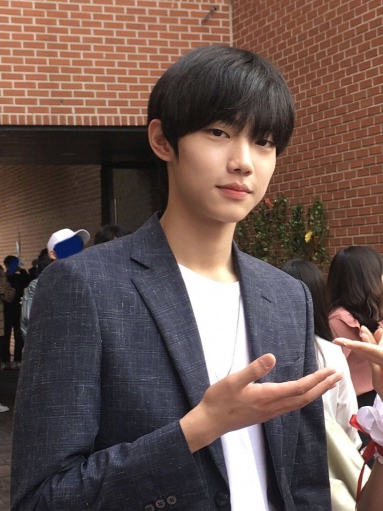 SUNGCHAN WHAT?? WHO? WHAT DO YOU MEAN?? https://t.co/QcuKqz3Rva