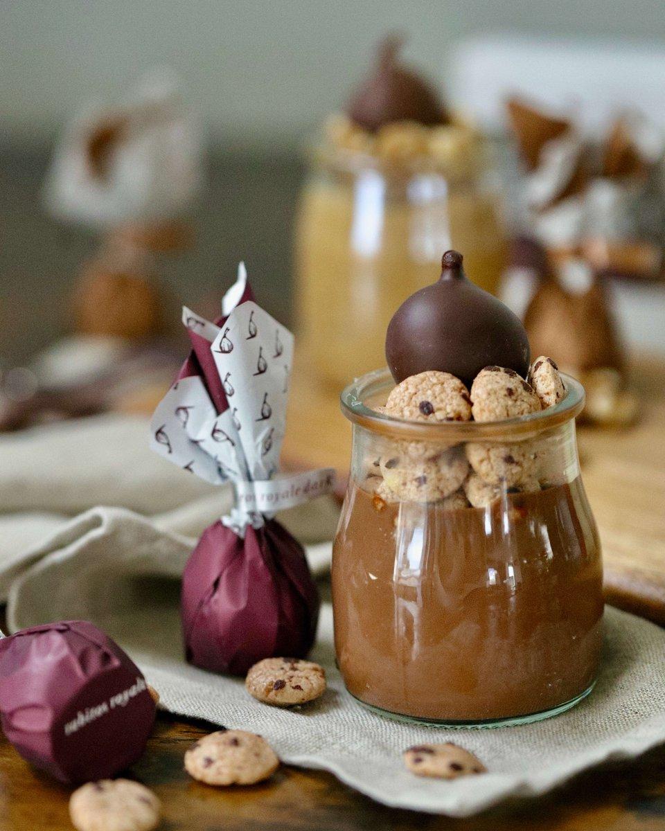 #Delicioso #MousseDeChocolate #casero con el impresionante toque  de nuestros #Rabitos! - #Delicious #homemade #ChocolateMousse with the amazing touch of our #RabitosRoyale!  #BombonesDeHigo #ChocolateFigBonbon #bombones #chocolate #postre #dessert #parfait #CopaDeChocolate https://t.co/wKIvH7OU7Y
