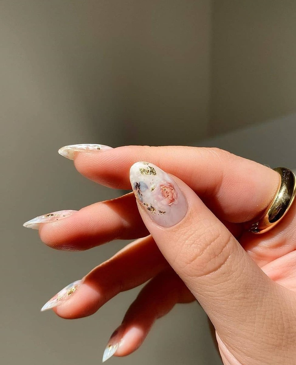 Image for subtle deet 🕊  📸 @amyle.nails #ikrushbabe https://t.co/XZcRpLMz6i