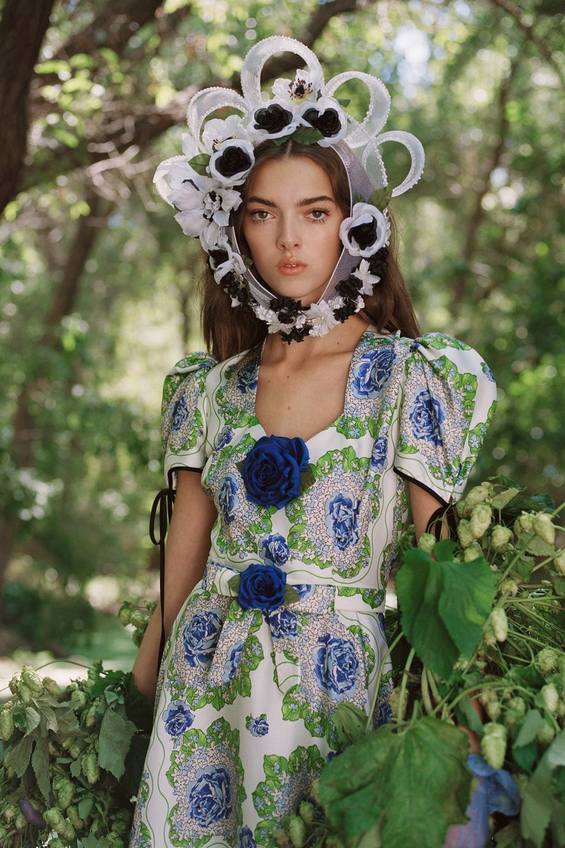 .@VOGUE_Germany has listed some of the biggest trends (so far) for the next season. Expect florals and polkadots next Spring. https://t.co/UDzUWMwqbp https://t.co/LcdNDUTUNI